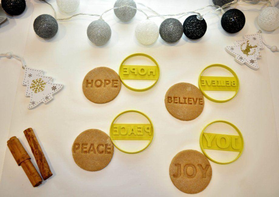 Christmas Cookie Cutter Set 4 Pieces  Joy  Hope  Peace  Believe