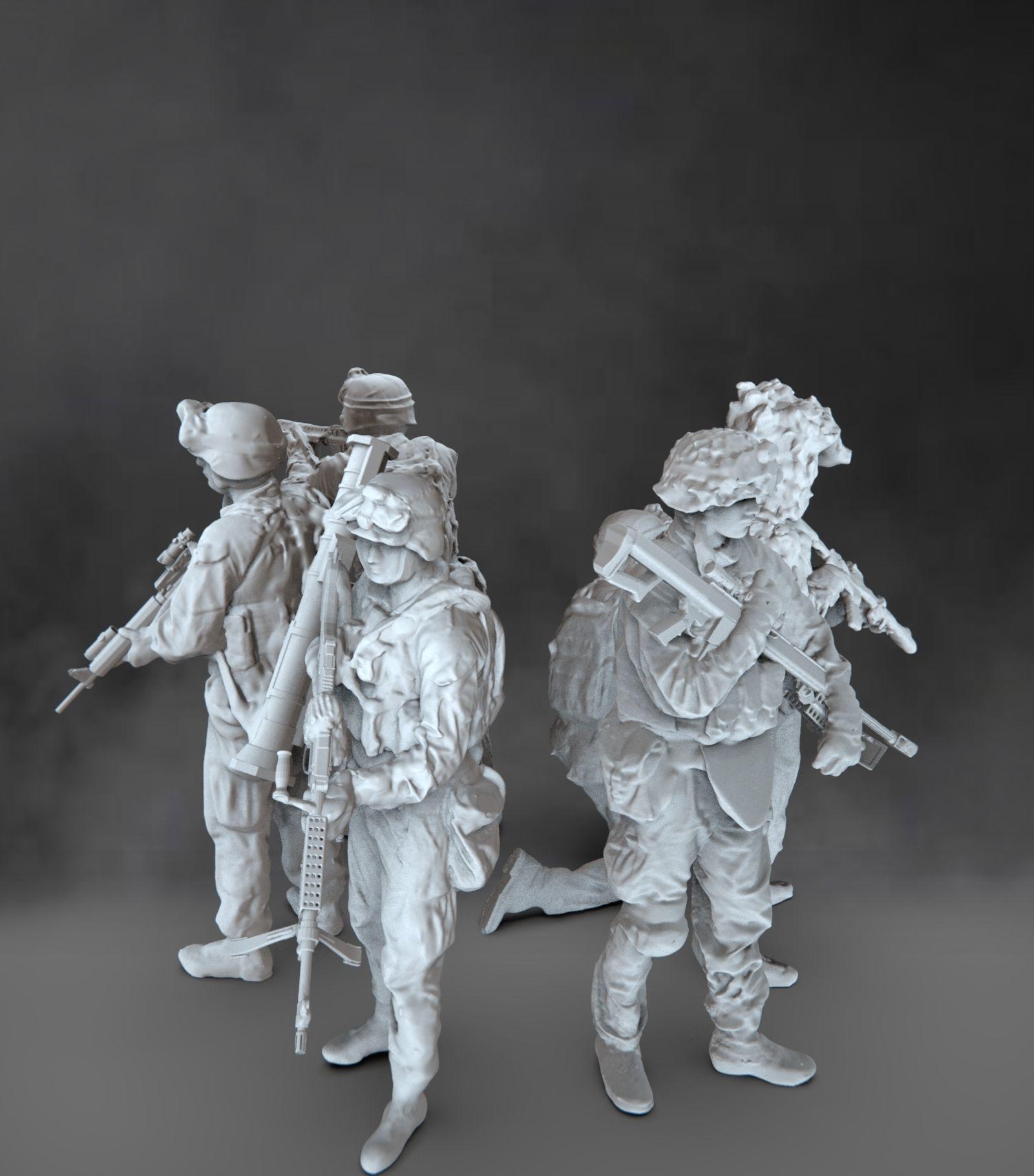 Modern soldiers set
