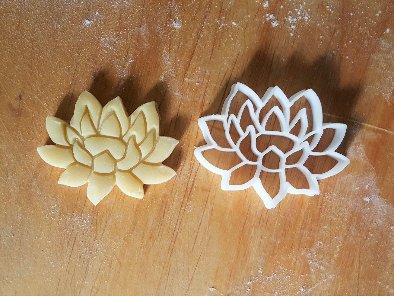 Lily flower cookie cutter