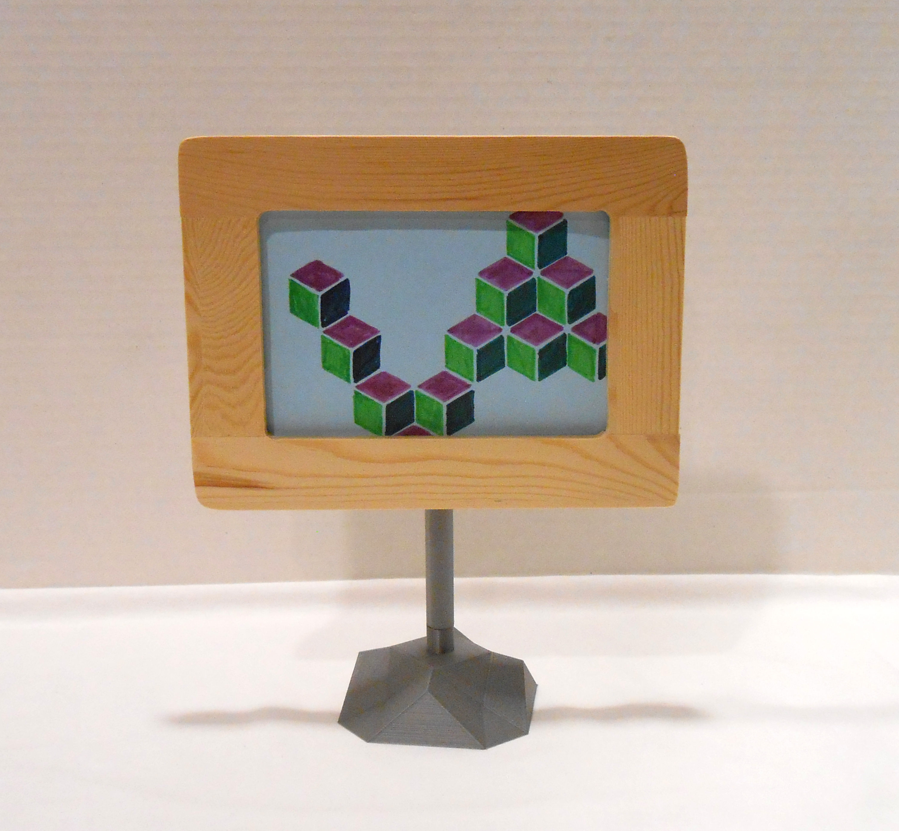 Geom Picture Frame Stand