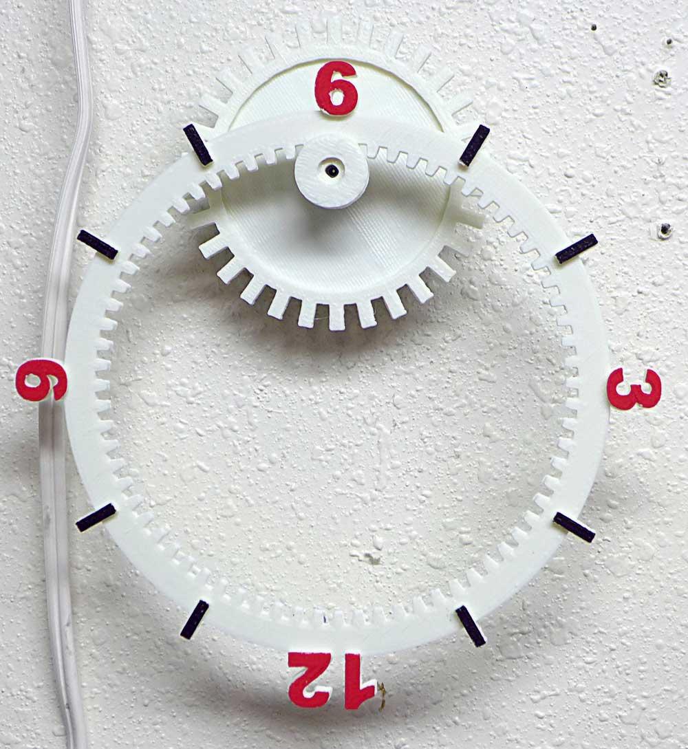 Floating Gear Clock