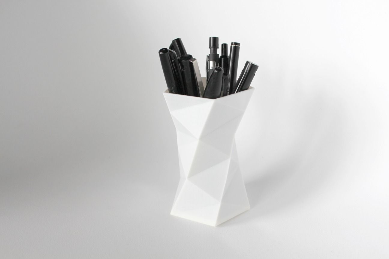 008a - Pen Holder - Faceted -