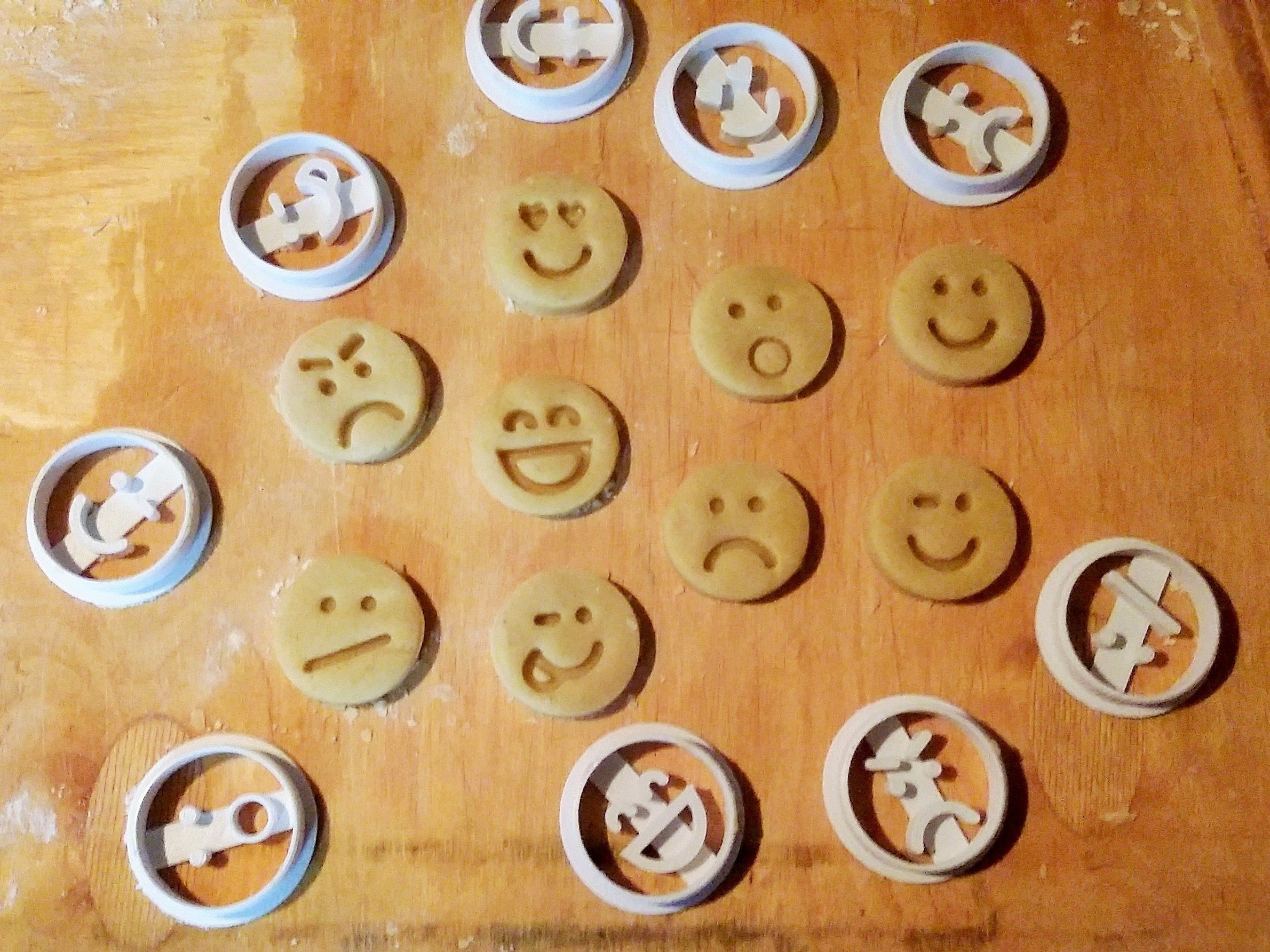Emoticons Cookie Cutters Set